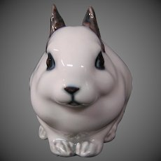 Royal Copenhagen porcelain white and gray rabbit figurine 154 hard to find
