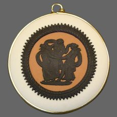 Wedgwood Jasperware three graces tri colored pendant 14K gold
