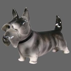Pfeffer porcelain terrier dog figurine