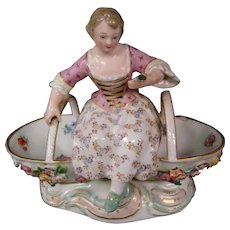 Meissen antique porcelain figurine girl with basket model 3024 First Quality