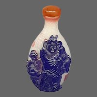 Peking cameo glass triple overlay cluthra type figure snuff bottle
