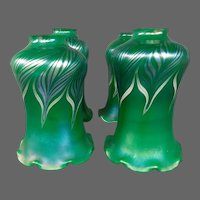 Art glass green gold pulled feather set four art glass shades