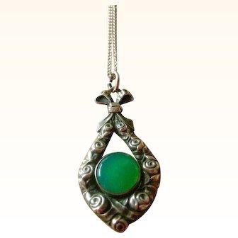 Vintage Pendent Necklace Chrysophrase in 800 Silver Great Design