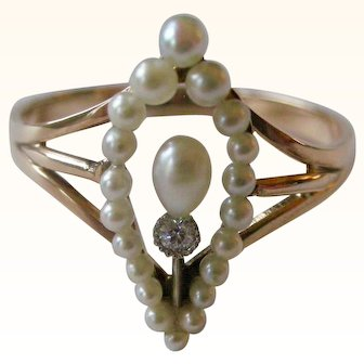 Art Nouveau Ring Seed Pearl Border with Oval Pearl and Diamond Center Circa 1900