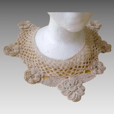 Exquisite Deco Era Hand Crocheted Lacy Collar