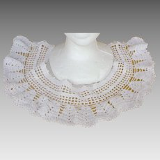 Splendid Deco Hand Crocheted Ruffles Lace Collar
