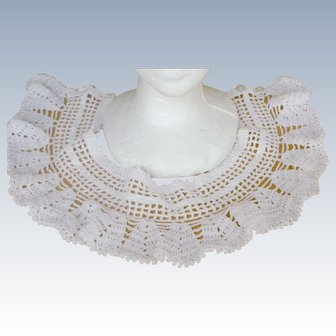 Splendid Deco Hand Crocheted Ruffles Lace Collar