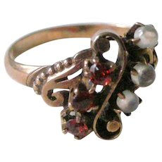 Fine Victorian Ring Garnets and Moonstones in 10K Yellow Gold