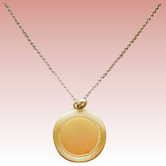 Lovely Vintage Locket Round Bright Gold Filled