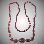 Art Deco Cherry Prystal Bakelite Facetted And Graduated Necklace