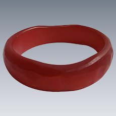 Vintage Made in Italy Resin Red Glowing Brutalist Style  Design Bangle Bracelet