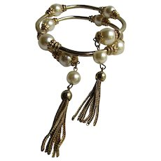 Vintage Unsigned Faux Simulated Pearl GP Memory Wire Wrap Coil with Tassel Ends Bracelet