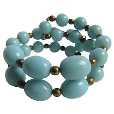 Vintage Graduated Lucite Robin's Egg Blue  Color with Copper Space Bead Memory Wire Bracelet