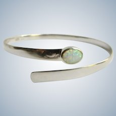 Vintage Sterling Silver Semi Transparent Contra Luz Opal Cabochon Wrap Twist Bypass Bangle