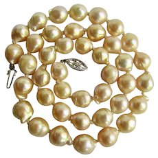 Vintage 14K South Sea Baroque 9.25mm Cultured Pearl Natural Golden Cream Graduated Necklace