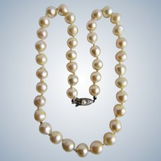 Vintage Sterling South Sea 9.5mm Semi Baroque Cultured Pearl Graduated Silver Rose Coloured Necklace