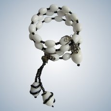 Vintage Unsigned Black & White Art Glass Memory Wire Bracelet