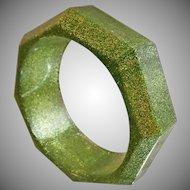Vintage Green Glitter Lucite Bracelet. Wide. Abstract Octagon Green Glitter Lucite Bangle.