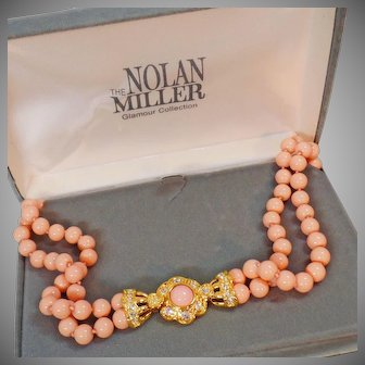 Nolan Miller Necklace. Coral Necklace. Vintage Necklace. Nolan Miller Jewelry. Vintage Jewelry. waalaa. .Necklaces for Women.
