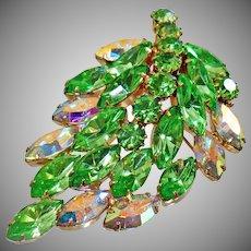 Juliana Brooch. D&E Brooch. Delizza and Elster Brooch. Rhinestone Brooch. Vintage Brooch. Jewelry for Brides. Jewelry for Women. waalaa