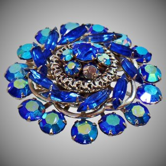 Rhinestone Brooch. Vintage Brooch. Blue Rhinestone Pin. Statement Piece. Jewelry for Brides. Jewelry for Women. Brooches for Women. waalaa