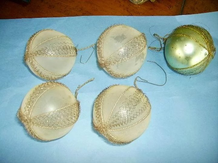 Victorian Wire Wrapped Blown Glass Christmas Ornaments (5)Feather ...