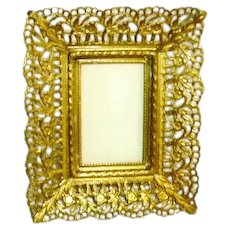 Vintage 1940's Miniature Gold Plated Filigree Reticulated Picture Frame