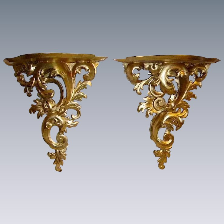 Reserved French Gilt Wood Carved Acanthus Leaves Wall Sconce Shelf