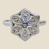 Vintage 14K White Gold Diamond Flower Ring Size 6-1/2