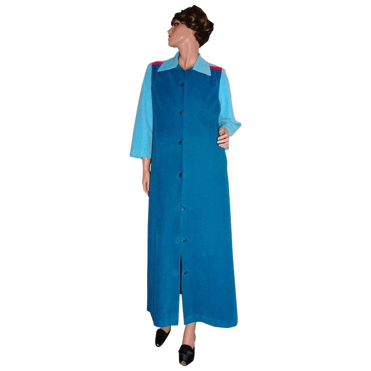 ab66af2bec57 Vanity Fair Turquoise Blue Hot Pink Velour Lounge Robe   Kitsch   Couture