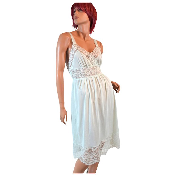 102825a9063 1950s Rogers ~ Light Green Nylon   Lace Nightgown   Kitsch   Couture ...