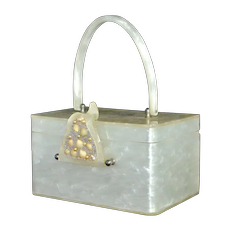 c1950s Wilardy Pearly White Lucite Coastal Beach or Marine Inspired Seashell Box Purse