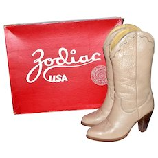 1970s Zodiac ~ Rockabilly Ash Beige Leather Stacked Heel Western Boots w/ Original Box