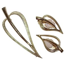 Sarah Coventry Stylized Leaf Goldtone Pin & Earrings Set