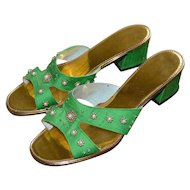 1960s White Faux Pearl & Goldtone Bead Green Silk & Leather Slip On Heels