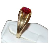 1930s Victorian Revival Faux Ruby Stone Belcher Gold Shell Ring ~ Size 6.5
