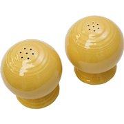 Fiesta Homer Laughlin Art Deco Style Salt & Pepper Shaker Set in Old Yellow