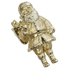 Signed A.J.C. Large Goldtone Santa Clause Christmas Brooch/Pin