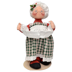 "Circa 1995 Annalee Mrs Claus Christmas Doll 14"" Tall Soft Sculpture"
