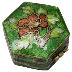 Petite Chinese Cloisonne Green Enamel Flower Hinged Pill Box