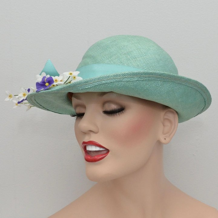 Turquoise Blue Ladies Cloche Hat w  Large Bow   Flowers   Kitsch ... 47cb29c601fd
