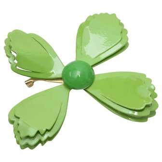 Vibrant Lime Green Enamel Flower Power or Butterfly Pin/Brooch