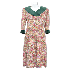 c1980s Petite Lanz Cotton & Green Velvet Floral Day Dress w/ Pockets - Size 4