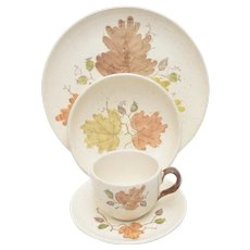 17 Piece Woodland Gold by Metlox Poppytrail Vernon Orange, Green, Brown Leaf Dinnerware Set