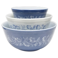 3-Pc Pyrex Colonial Mist Blue & White Flower Milk Glass Nesting Mixing Bowls