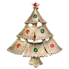c1960s Jonette / J.J. Company Three Tier Christmas Tree w/ Red & Green Rhinestones Pin/Brooch