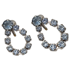 c1940s Icy Blue Rhinestone Pear Shaped Silvertone Screwback Earrings