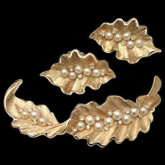 Trifari Signed Simulated White Pearl Gold-tone Leaf Demi-Parure Brooch/Pin & Earring Set