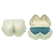 Dennison Signed Double Heart Pale Mint Green Celluloid w/ Teal Blue Velvet Interior Scalloped Lace Edge Ring Box