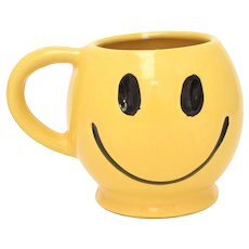 McCoy Pottery Bright Yellow Ceramic Smiley Face Pedestal Coffee Mug w/ Handle